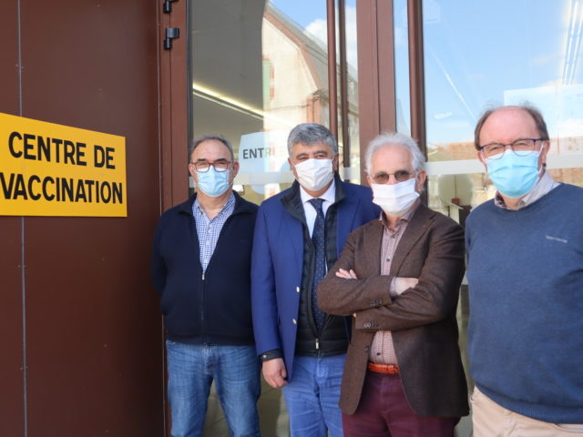 150 vaccinations par semaine au centre de vaccination de GARLIN